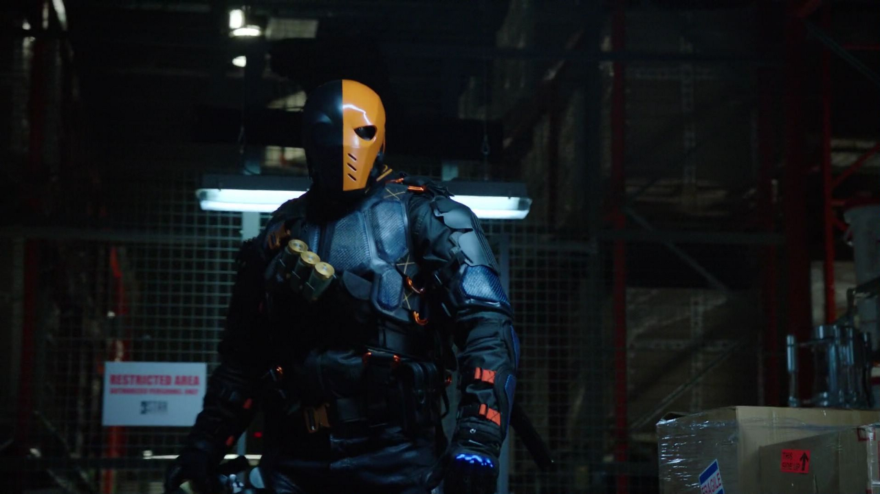 Justice League Review Collider >> Arrow: Deathstroke will Return in the Season 5 Finale | Collider