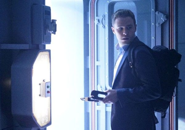 agents-of-shield-iain-de-caestecker