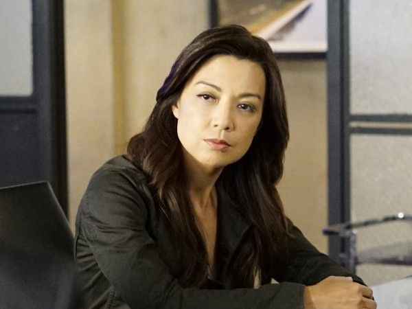 agents-of-shield-season-4-meet-the-new-boss-image-2