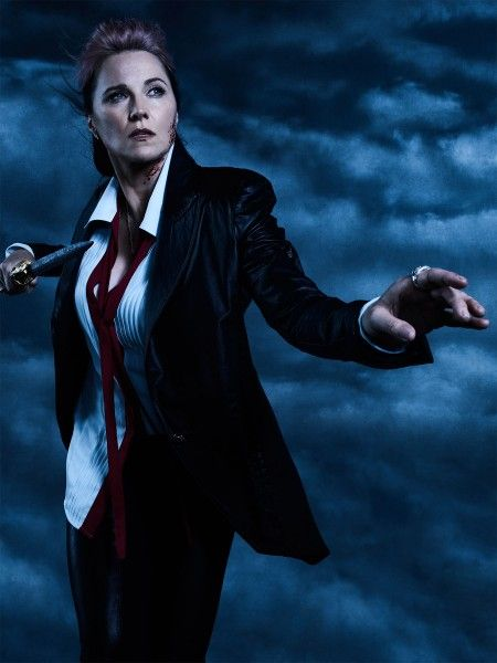 ash-vs-evil-dead-lucy-lawless-01