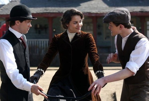 harley-and-the-davidsons-bug-hall-robert-aramayo