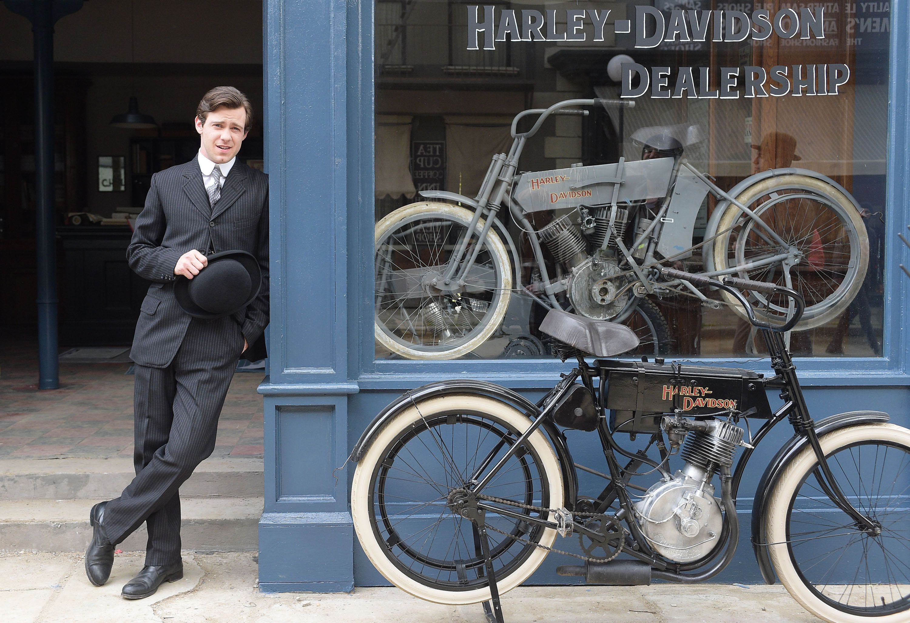 harley and the davidsons: michiel huisman, bug hall and robert