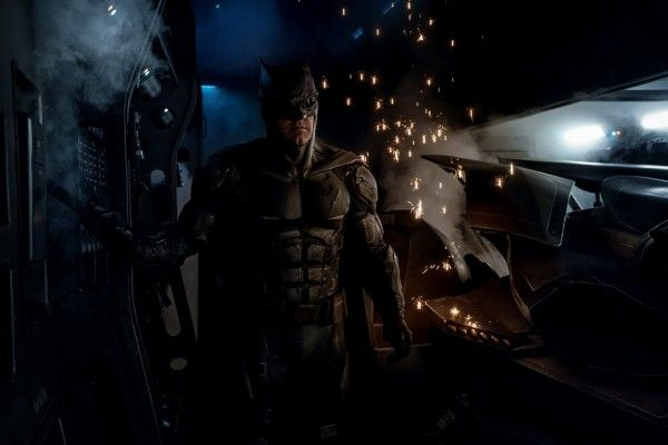 justice-league-batman-batsuit
