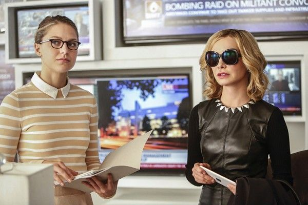 supergirl-season-2-melissa-benoist-calista-flockhart