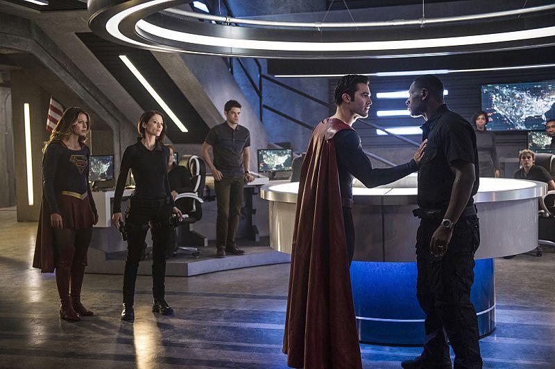 Supergirl Season 2: New Trailer, Images Include Clark Kent