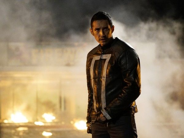 agents-of-shield-season-4-let-me-stand-next-to-your-fire-ghost-rider-gabriel-luna