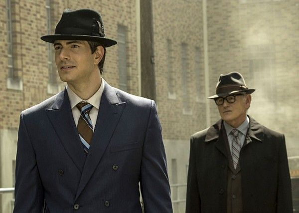 legends-of-tomorrow-brandon-routh-victor-garber