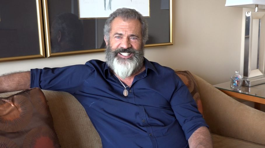 Mel gibson on crafting the brutal action in hacksaw ridge collider thecheapjerseys Images