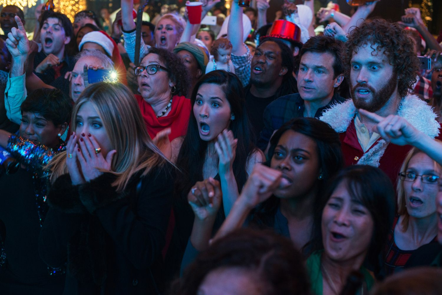 Office Christmas Party: New Trailer Teases Violent Shenanigans ...