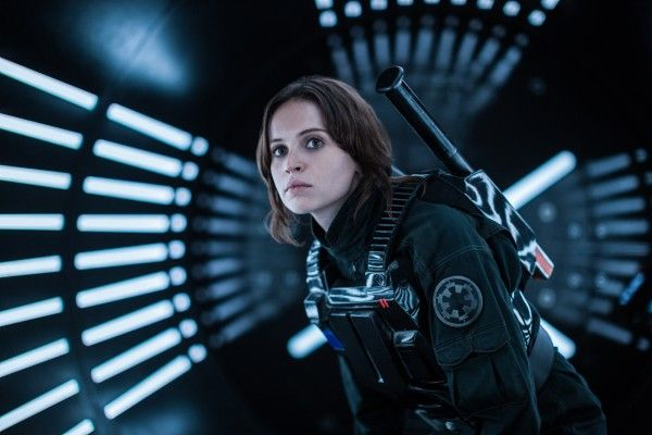 rogue-one-star-wars-felicity-jones-social