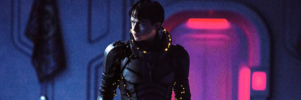 valerian-and-the-city-of-a-thousand-planets-dane-dehaan-slice