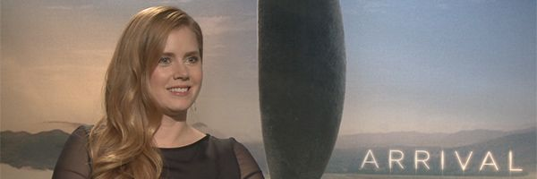 amy-adams-arrival-interview-slice