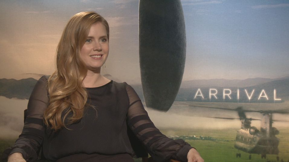 D And D Trailers >> Amy Adams on Arrival, Enchanted 2, and Justice League | Collider