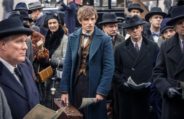 eddie-redmayne-fantastic-beasts-and-where-to-find-them
