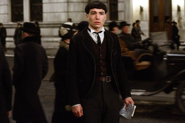 fantastic-beasts-and-where-to-find-them-ezra-miller