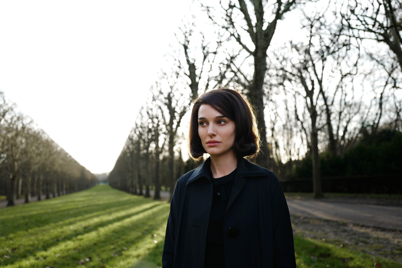 Jackie Review: Natalie Portman Stuns in Jackie Kennedy Film | Collider