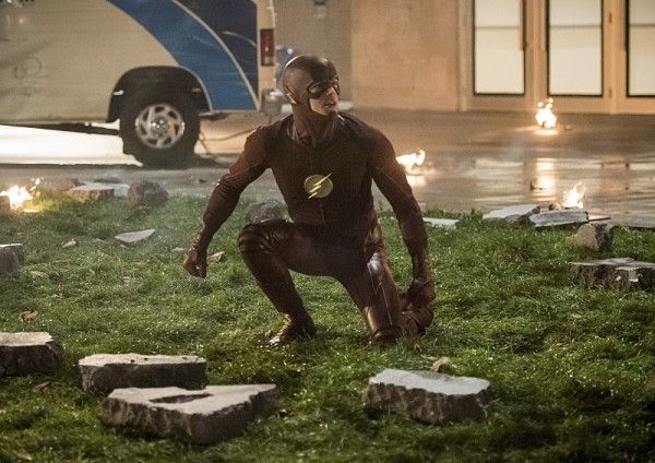 the-flash-season-3-invasion-crossover-image-14