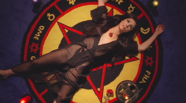 the-love-witch-samantha-robinson