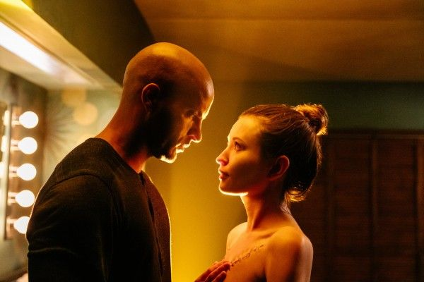 american-gods-ricky-whittle-emily-browning