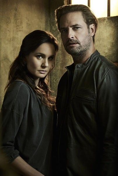 colony-season-2-josh-holloway-sarah-wayne-callies