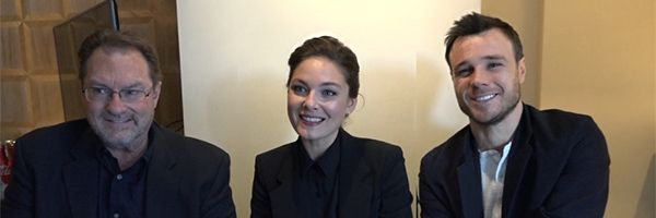the-man-in-the-high-castle-season-2-alexa-davalos-rupert-evans-stephen-root-interview-slice