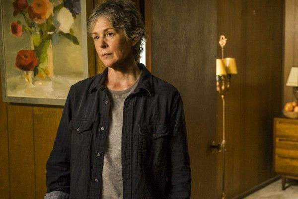 the-walking-dead-season-7-hearts-still-beating-image-12