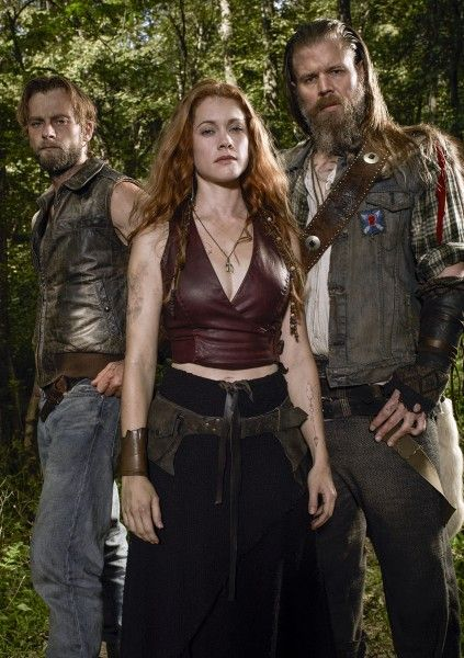 outsiders-joe-anderson-gillian-alexy-ryan-hurst