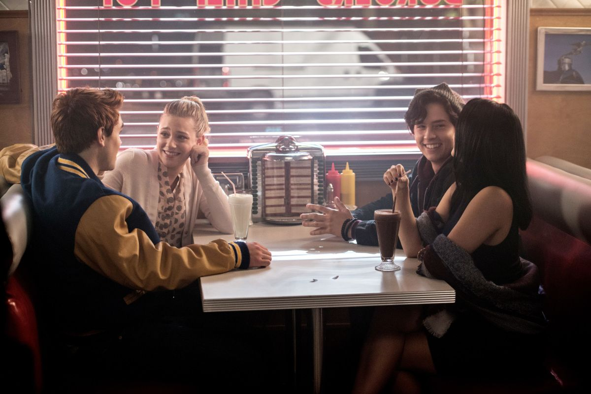 Riverdale Cast Talk Sex Murder And Rock N Roll Collider