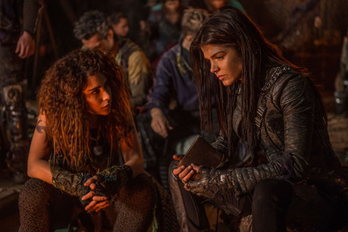 the 100 marie avgeropoulos on octavia 39 s future bellamy and more collider. Black Bedroom Furniture Sets. Home Design Ideas