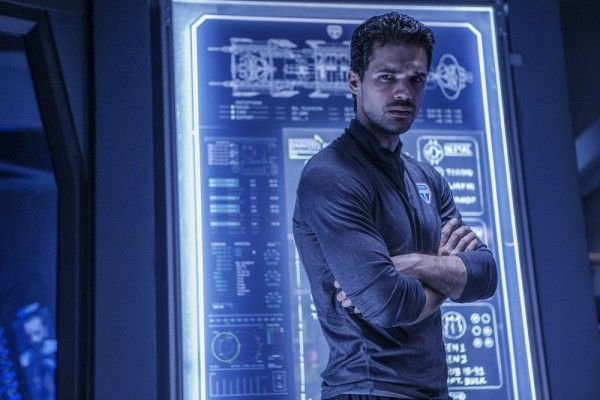 the-expanse-season-2-steven-straight