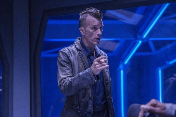 the-expanse-season-2-thomas-jane