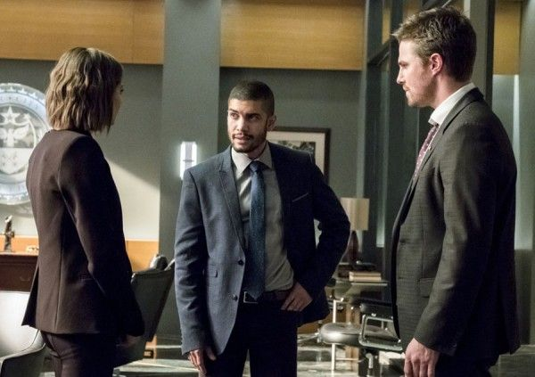 arrow-spectre-of-the-gun-interview-marc-guggenheim-wendy-mericle