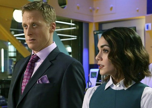 powerless-alan-tudyk-vanessa-hudgens-02