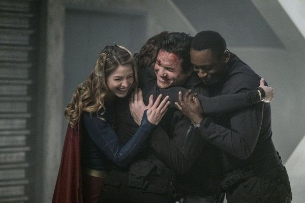 supergirl-season-2-homecoming-image-8