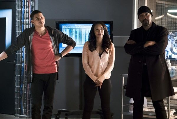 the-flash-keiynan-lonsdale-candice-patton-jesse-martin