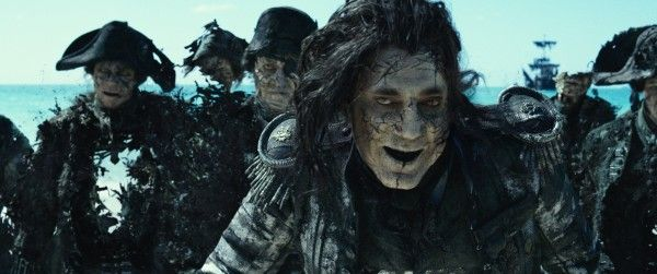 pirates-of-the-caribbean-dead-men-tell-ano-tales-ghost-pirates