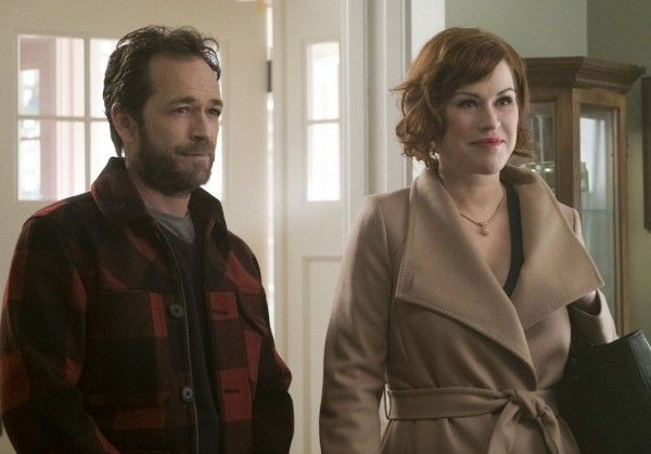 riverdale-luke-perry-molly-ringwald