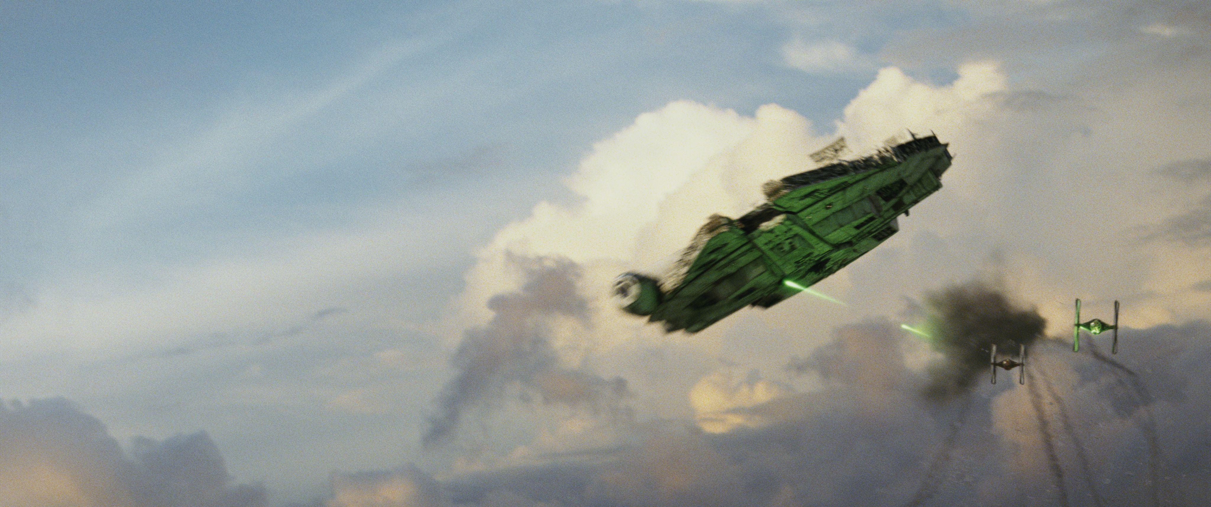 ARCHIVE: The Last Jedi Trailer(s) - 1 - Page 4 Star-wars-8-millennium-falcon