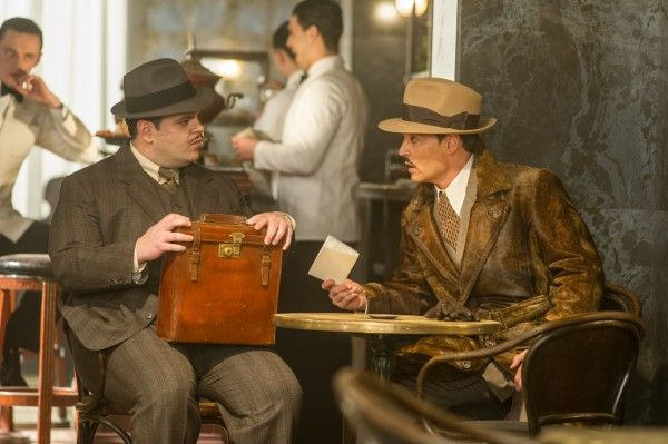josh-gad-johnny-depp-murder-on-the-orient-express