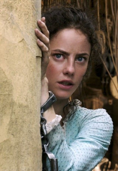 pirates-5-kaya-scodelario-02