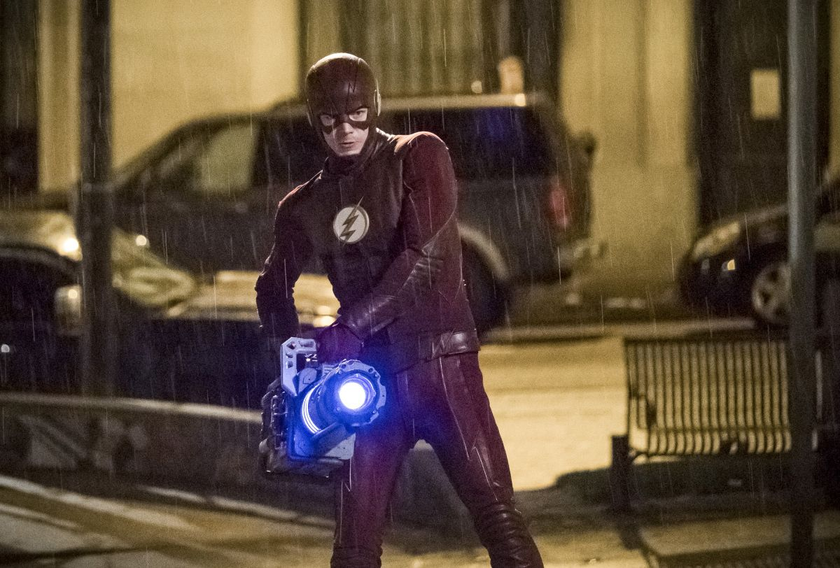 batman robbery moment with flash
