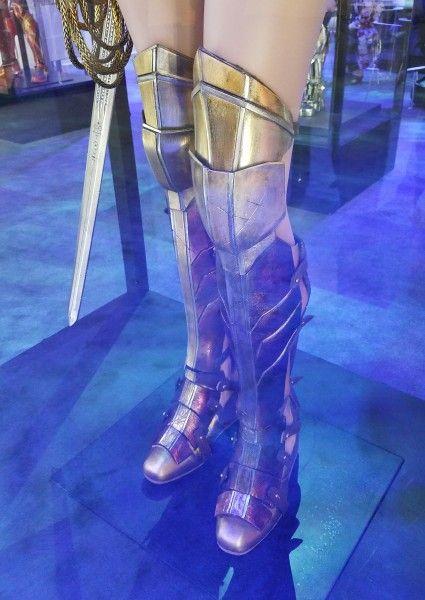 wonder-woman-costume-justice-league