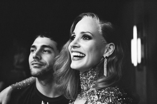 xavier-dolan-jessica-chastain-death-and-life-of-john-f-donovan-set
