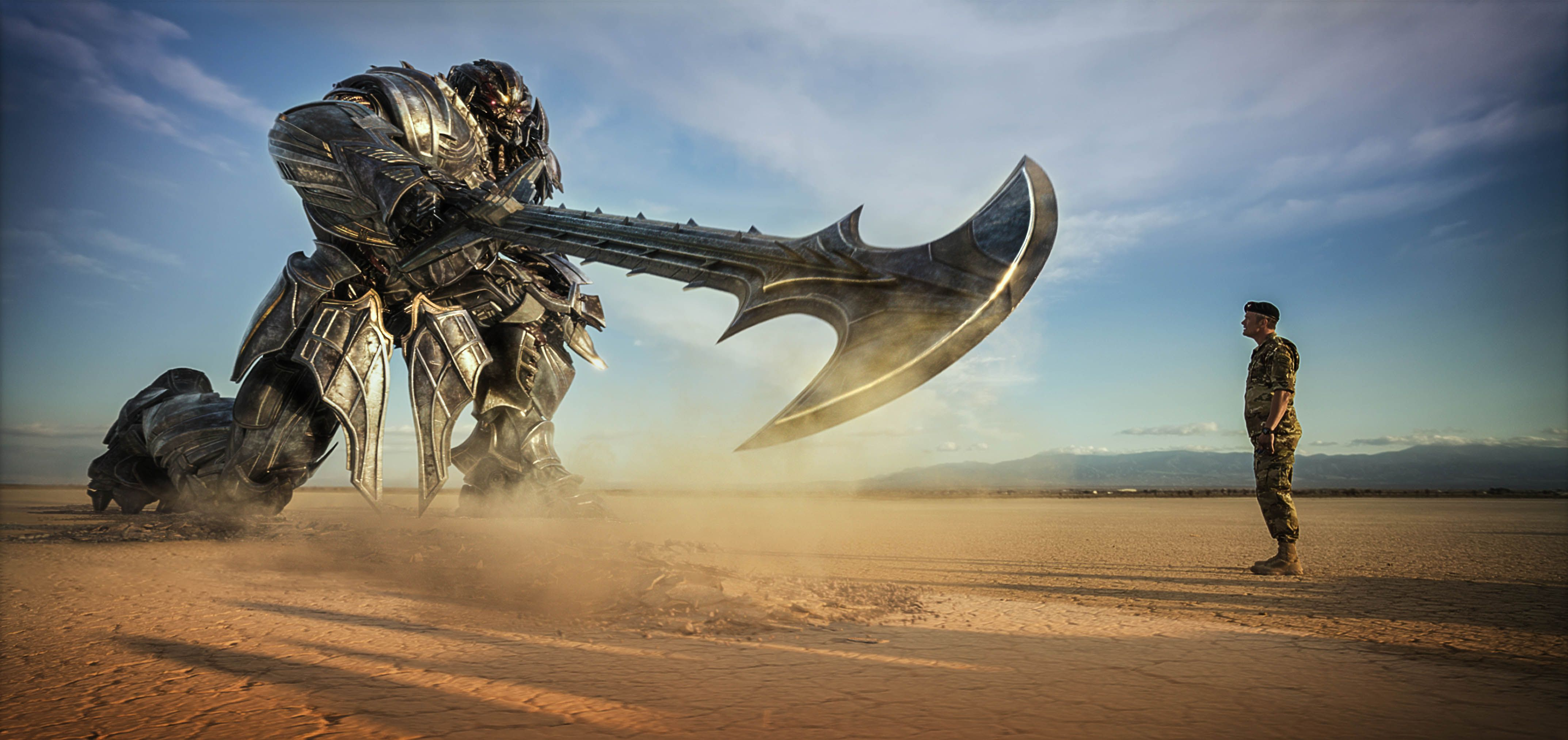 Transformers 5 Images Show Off More Robot Carnage | Collider