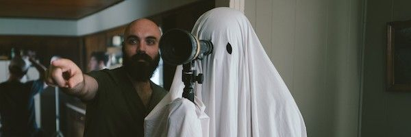 a-ghost-story-david-lowery-casey-affleck-in-sheet-slice