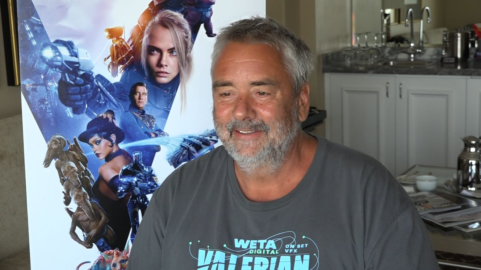 valerian luc besson on creating interdimensional action collider. Black Bedroom Furniture Sets. Home Design Ideas