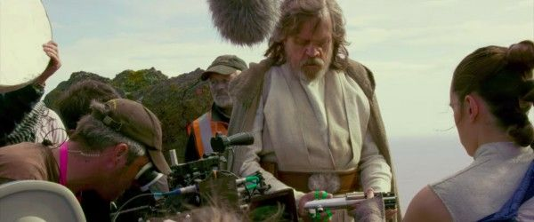 star-wars-the-last-jedi-behind-the-scenes-image-mark-hamill