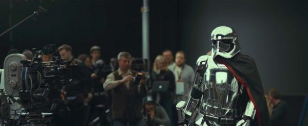 star-wars-the-last-jedi-behind-the-scenes-image-phasma