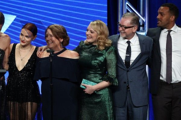 handmaids-tale-cast-tca-awards-2017