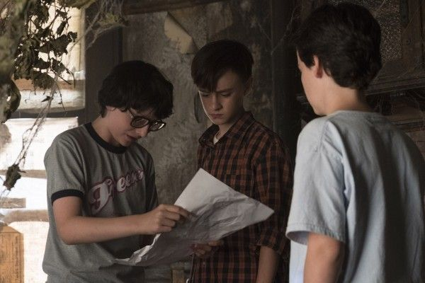 it-movie-image-finn-wolfhard-jaeden-lieberher